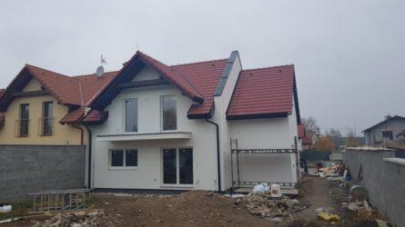 Atyp v Hradci Králové - Plotištích